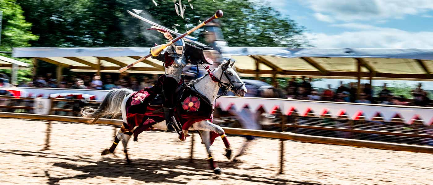 Jousting at Wars of the Roses LIVE show